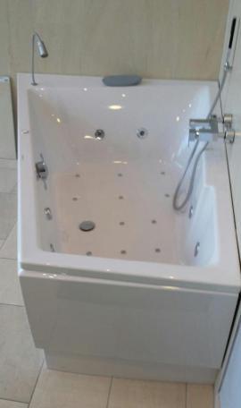 hoesch cosima vigor whirlpool trapez 175x135cm. Black Bedroom Furniture Sets. Home Design Ideas