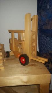 Holz-Gabelstapler
