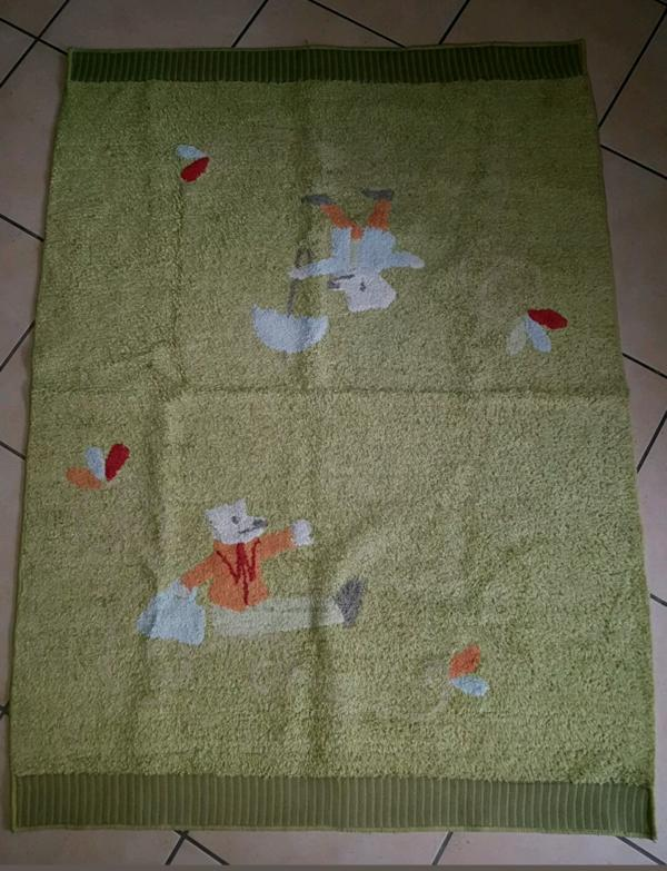 Ikea Kinderzimmer Teppich grün Top Zustand, frisch gewaschen in ...