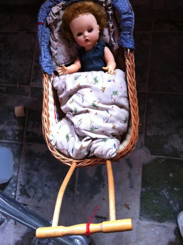 Kinderpuppenwagen mit oder ohne Puppe