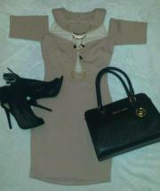 Kleid Cut Out