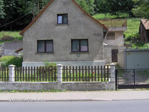 Kleines Einfamilienhaus in » 1-Familien-Häuser