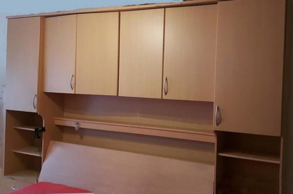kompl. Überbau schlafzimmer mit doppelbett, latenrosten und