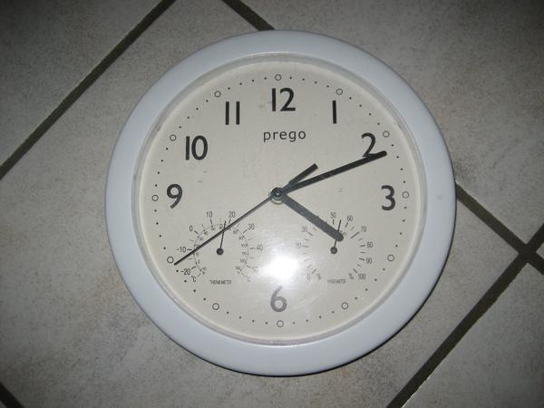 Küchenuhr weiß mit Thermometer und