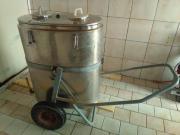 Milchtank und Kühlagregat