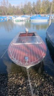 Motorboot bzw. Hondamotor