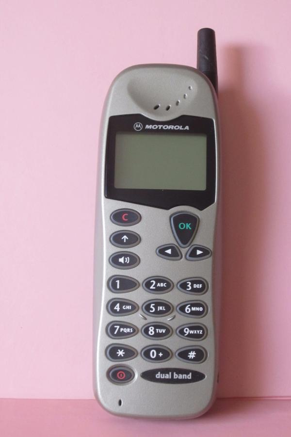 Motorola M3688 Handy - München - Motorola M3688, Gebraucht, wurde bereits benutzt und hat Abnutzungsspuren, aber in gutem Zustand - München