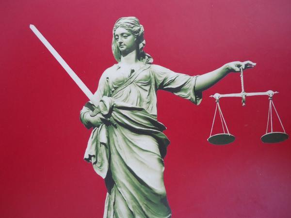 Nachhilfe in Jura Recht Wirtschaftsrecht
