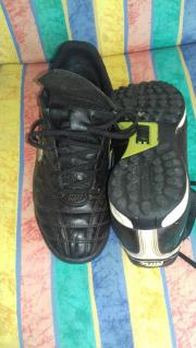 Nike Tempo Fussballschuhe