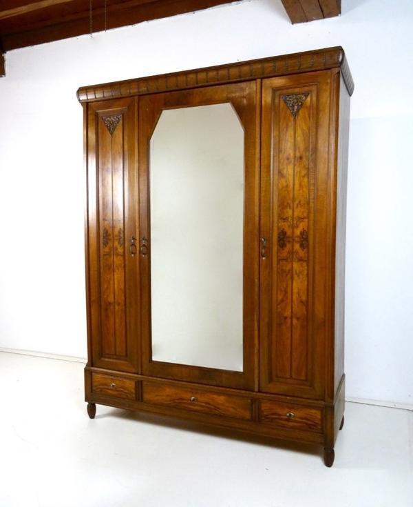 Antik kleiderschrank sehr gro er bauernschrank weichholz for Holzschrank massiv gebraucht