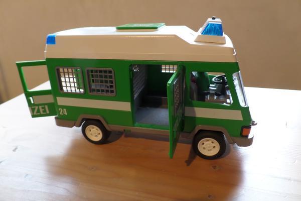 Playmobil Polizei Mannschaftswagen - Heilbronn Neckargartach - Playmobil Polizei Mannschaftswagen mit Blaulicht und einem Polizisten - Heilbronn Neckargartach