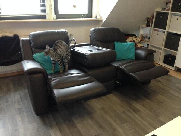reduziert relaxsofa leder 3 sitzer mit eingebuaten tisch. Black Bedroom Furniture Sets. Home Design Ideas