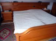 Schlafzimmer aus Kirschbaum