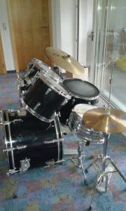 Schlagzeug von Tama (