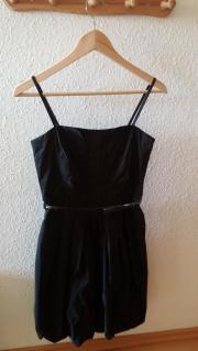 Schönes Kleid von