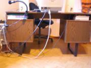 Schreibtisch mit heller u dkl