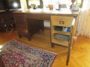 Schreibtisch mit Schrank -