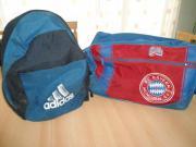 Schulrucksack und Sporttasche