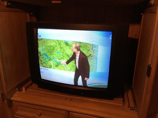 tv fernseher gebraucht kaufen nur noch 3 st bis 75. Black Bedroom Furniture Sets. Home Design Ideas