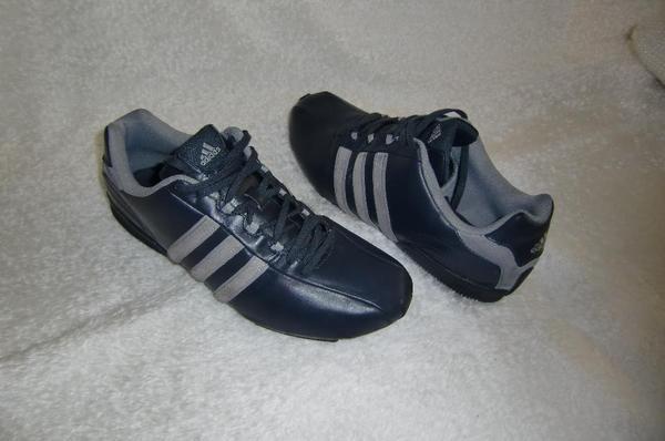 Sport Schuhe adidas Gr 43-44