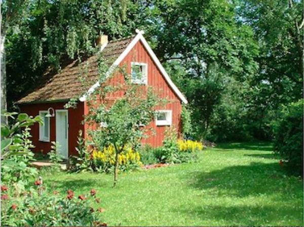 SUCHE Eigentumsland mit Bugalow Haus Hütte zum Kauf