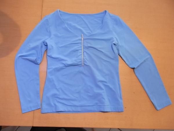 Sweatshirt - Ubstadt-weiher - Sweatshirt hellblau Größe 36 zu verkaufen.Shirt wenig getragen und gut erhalten.Schauen sie die anderen Inserate an.Versand trägt auf Käufer. - Ubstadt-weiher