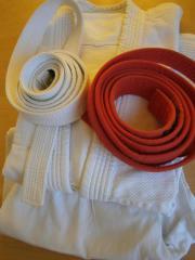 Verkaufe zwei Aikido oder Karate -