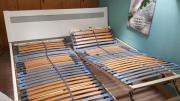 Weisses Bettengestell mit