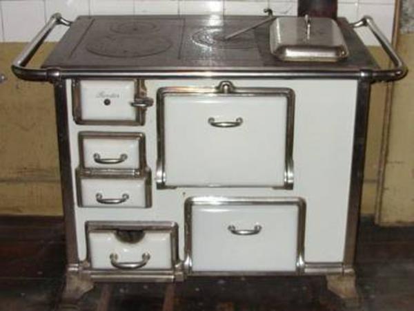 wer verschenkt holzofen herd in calw k chenherde grill. Black Bedroom Furniture Sets. Home Design Ideas