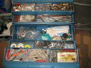 Werkzeugkasten mit Installationsmaterial Stahlblech 530x210x210