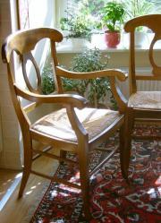Wertvolle Stühle im Landhausstil